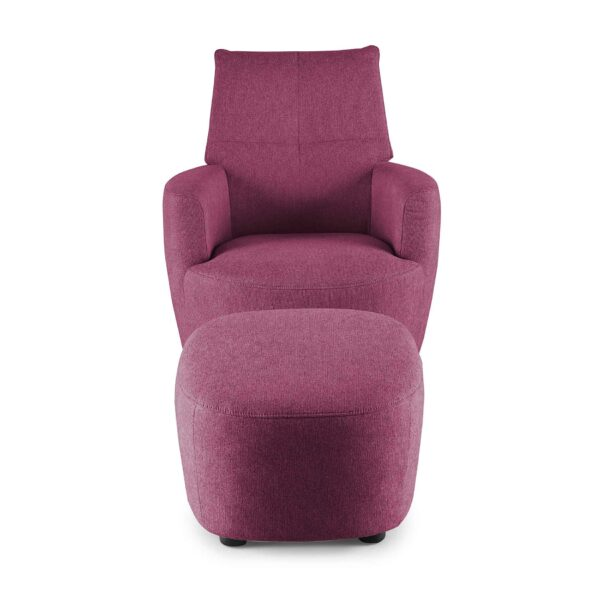 set one by Musterring Sessel mit Hocker SO 1450 in traffic purple Frontansicht