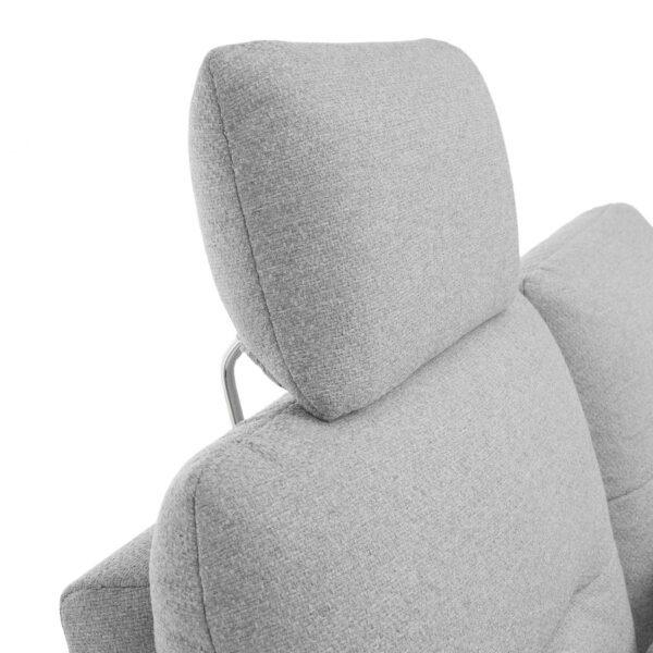 Trendstore Pamelia 3-Sitzer Sofa mit Bezug Portofino in Silber. Detailansicht der Kopfstütze.
