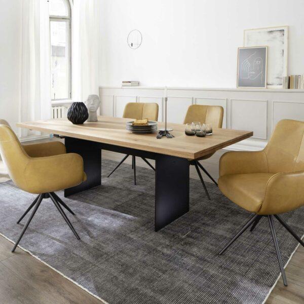 Contur Auszugstisch 3001 mit Wangenfuß und Tischplatte aus Eiche natur geölt Wohnbeispiel