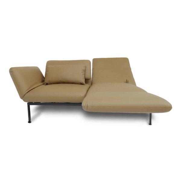 Brühl roro Sofa mit Anilienlederbezug in Jumbo Beige zeigt Dreh- und Relaxfunktion frontal.