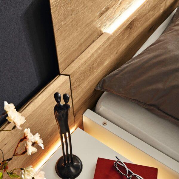 Musterring Jovanna Doppelbett Detailansicht Kopfteil und Konsole.