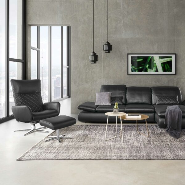 Musterring 2956 Sessel mit Hocker Wohnbeispiel
