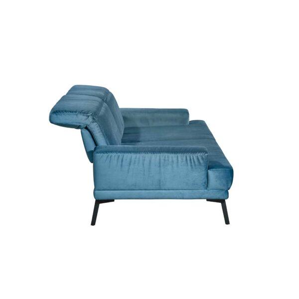Musterring MR 4580 Sofa mit Bezug Velvet blue-grey von der Seite.