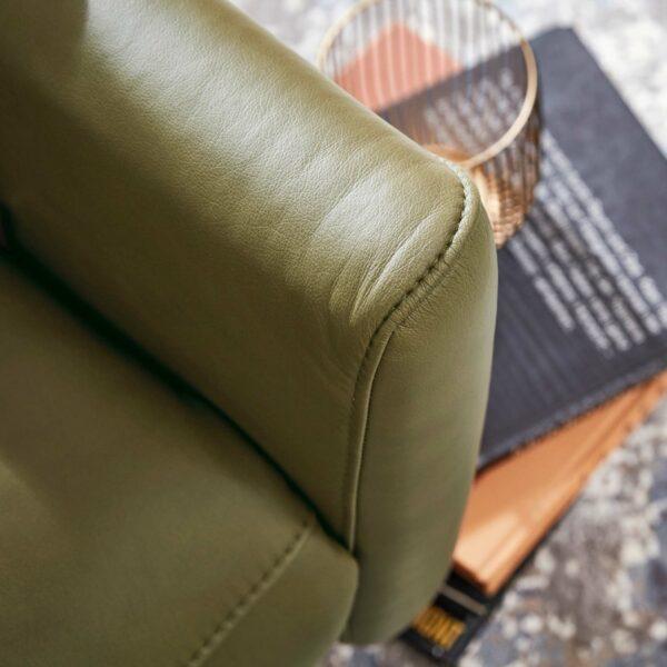 Musterring MR 261 Relaxsessel Bezug Leder Vivre moos – Detail Naht