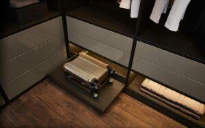 RMW Smart Living: Raffinierter Stauraum für Koffer