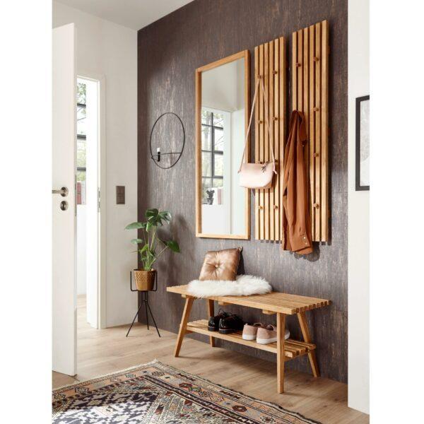 Trendstore Madge Garderobe mit Bank, Spiegel und Garderobenpaneel aus massiver Eiche als Wohnbeispiel.