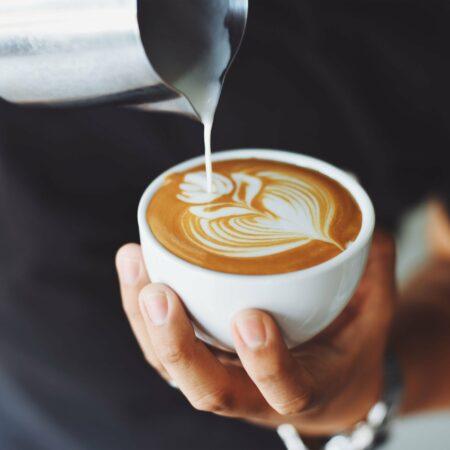 Wir laden Sie auf eine Tasse Kaffee ein